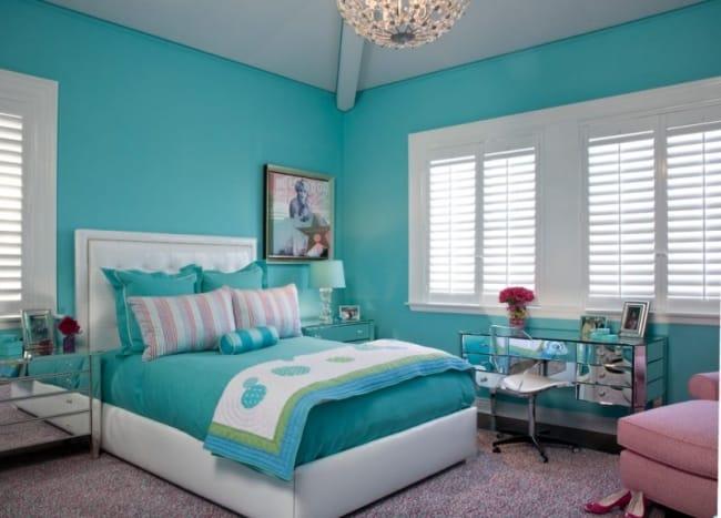 Quarto decorado com azul tiffany e branco19