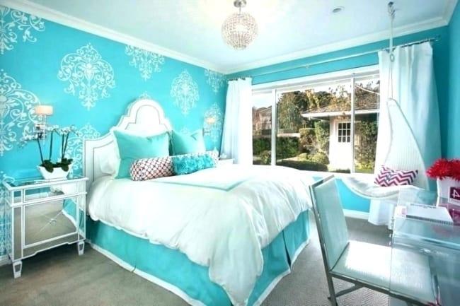 Quarto decorado com papel de parede azul tiffany23