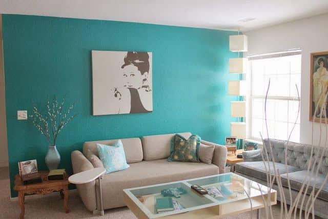 Sala decorada com almofadas azul tiffany3