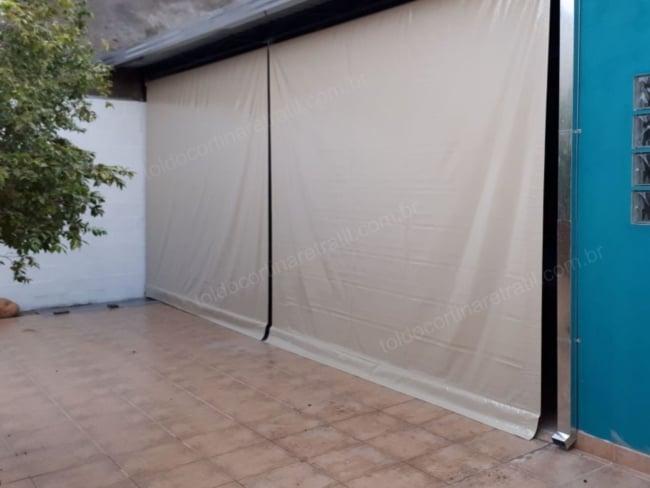 Toldo Retrátil cortina grande