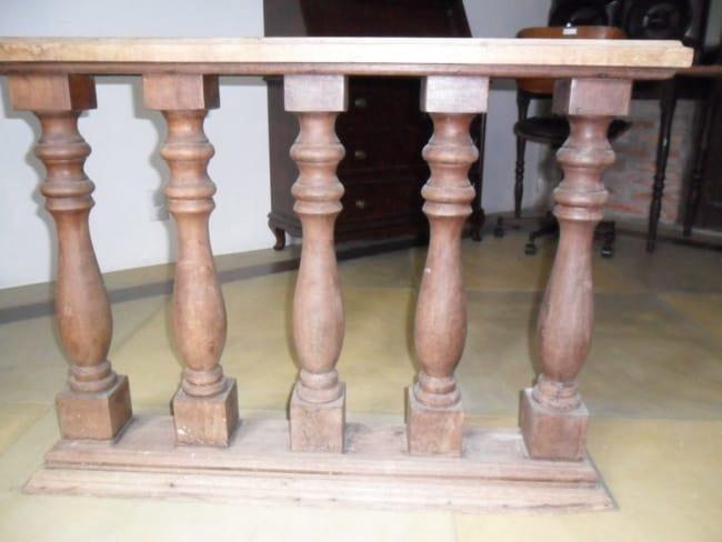 balaústre de madeira antiga