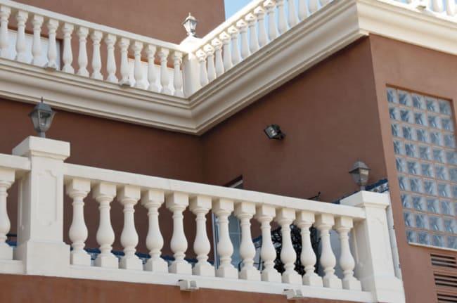 balaustre de cimento em varanda