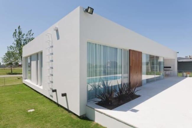 casa de alvenaria grande e moderna