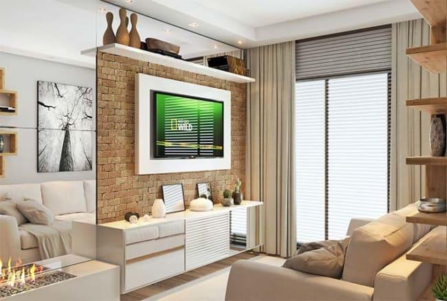 cortina marrom bege clara com sofa