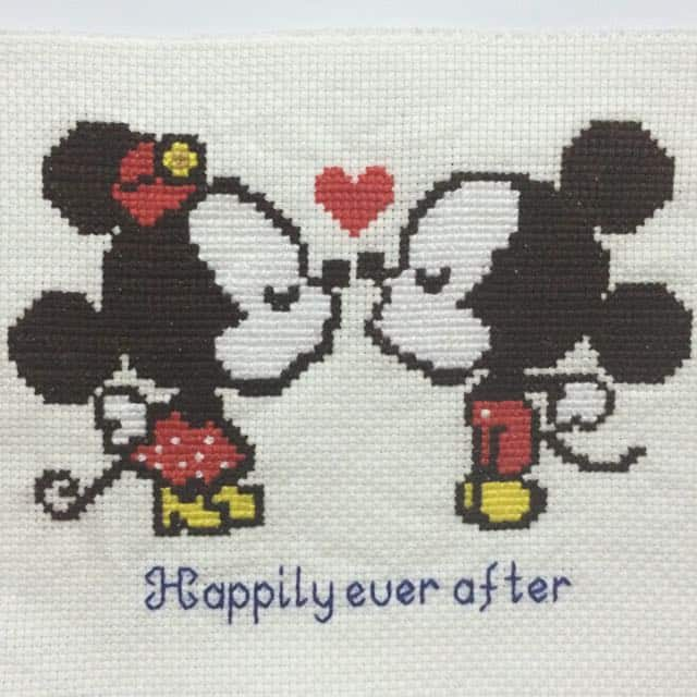 ponto cruz de Mickey e Minnie20