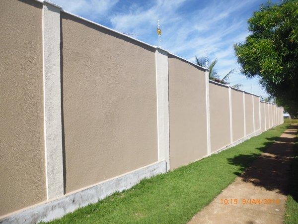 muro chapiscado pintado de bege