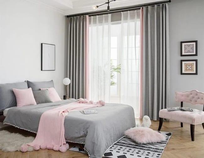 quarto decorado em rosa e cinza