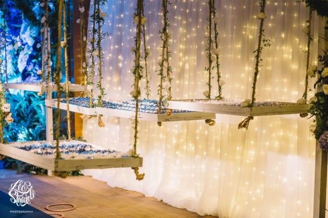 decoração com luzinhas de natal para festa