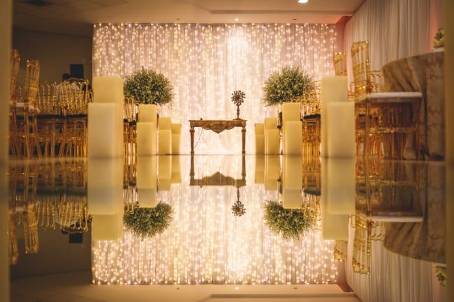 decoração com luzinhas de led para cerimônia de casamento