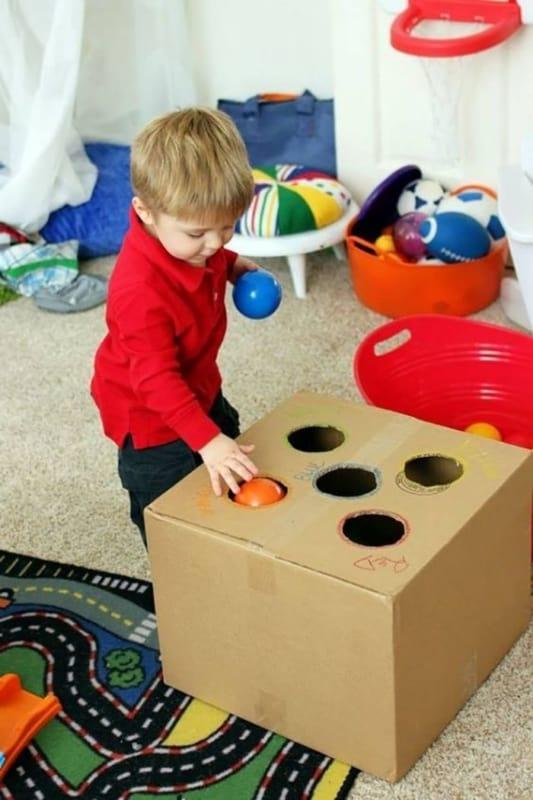 Brinquedo reciclado para bebê