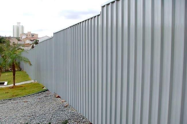 Tapume de metal para ser usado em construções