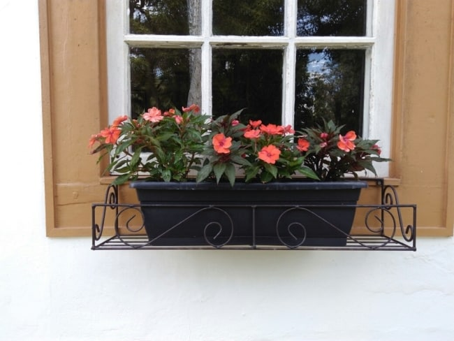 floreira de janela de ferro