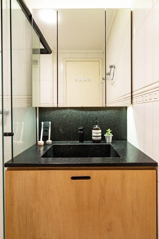 armário de banheiro em compensado naval