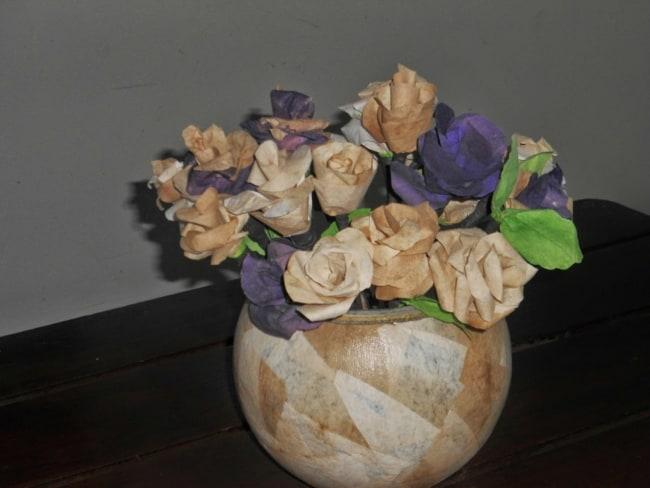vaso para flores em papietagem