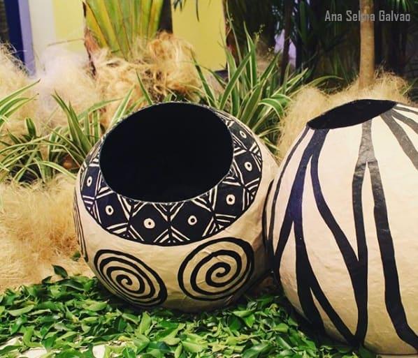 vaso decorado de papietagem