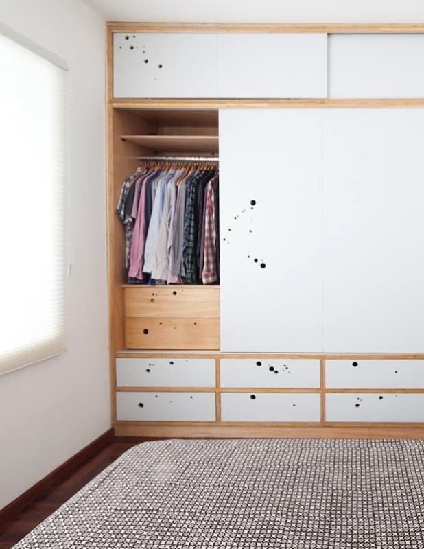 armário de roupas em compensado naval