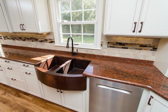 Cozinhas com granito ficam um charme só