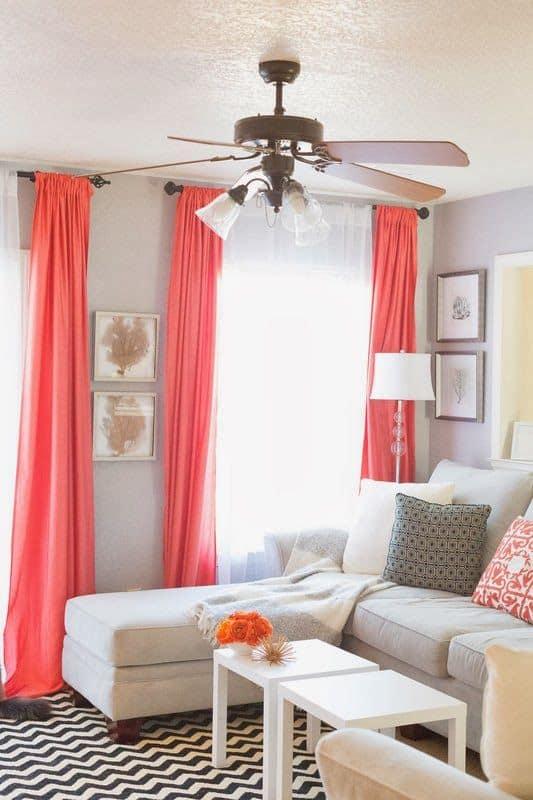 cortina vermelha na sala