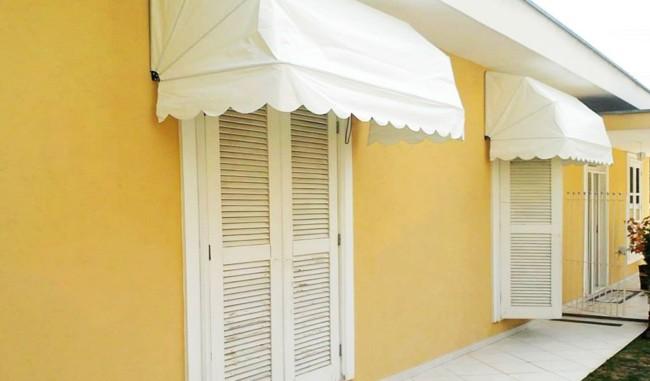 toldo retratil branco em portas