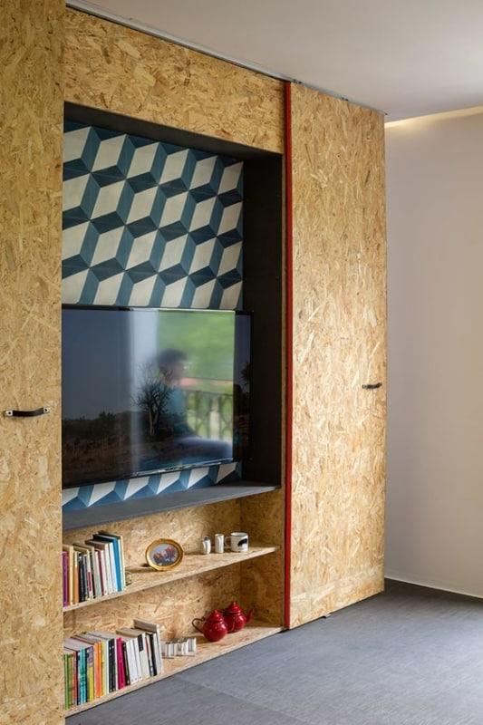 armario com prateleiras em OSB