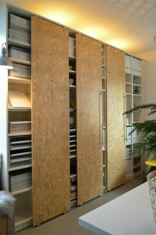 armario planjeado com portas de OSB