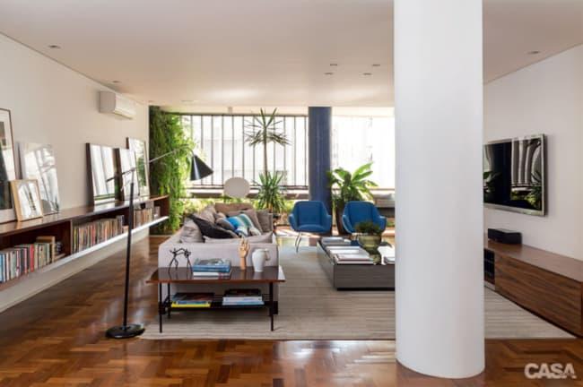 Apartamente contemporaneo decorado com plantas