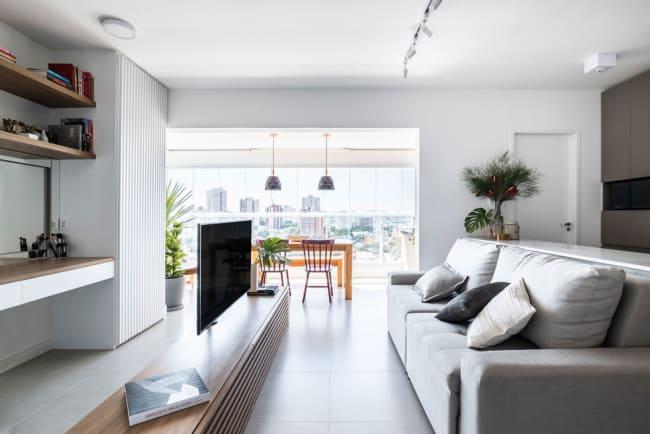 Apartamento com cores claras dao a sensacao de espaco ainda maior