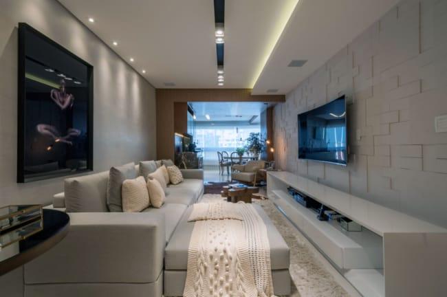 Apartamento decorado com modernidade e tons de cinza