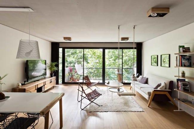 Decoracao de apartamento moderno com iluminacao natural