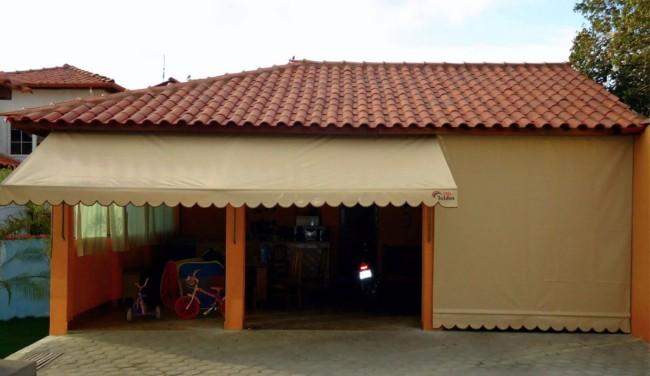 Toldo cortina bege para garagem