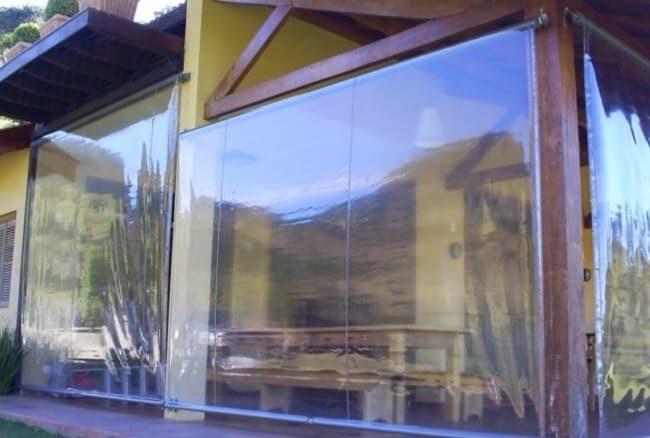 Toldo cortina transparente muito utilizado em chacaras e sitios