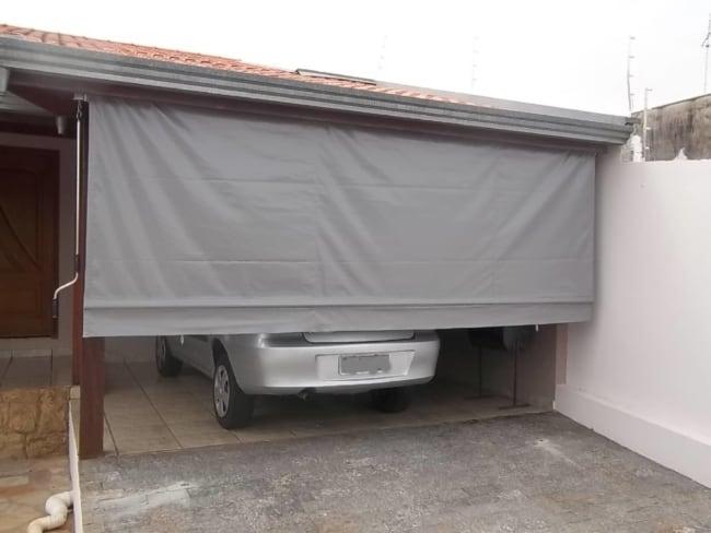 Voce pode regular a altura do toldo cortina