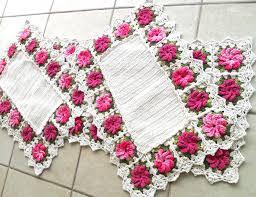 tapete de flores feito de croche 11