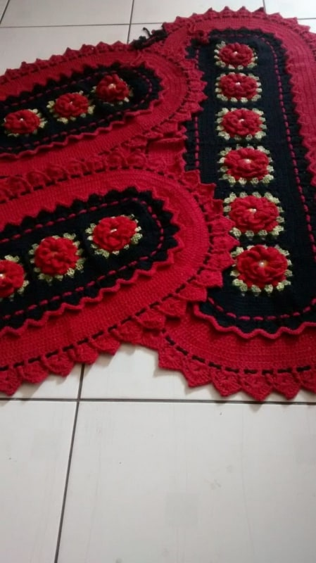 tapete para cozinha vermelho feito de croche 20