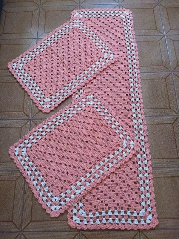 tapete simples feito de croche 02