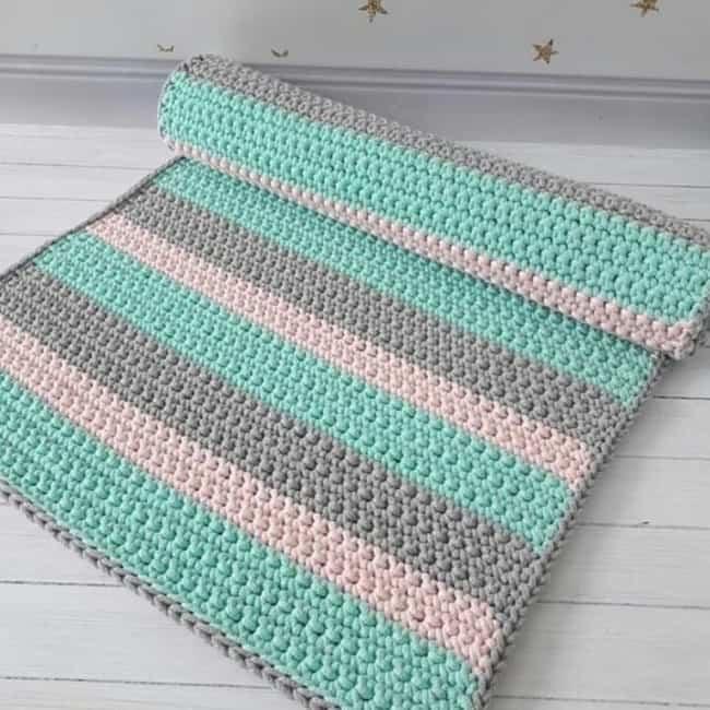 tapete simples feito de croche 05