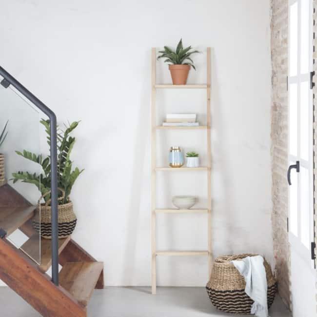 escada decorativa de pinus na decoracao