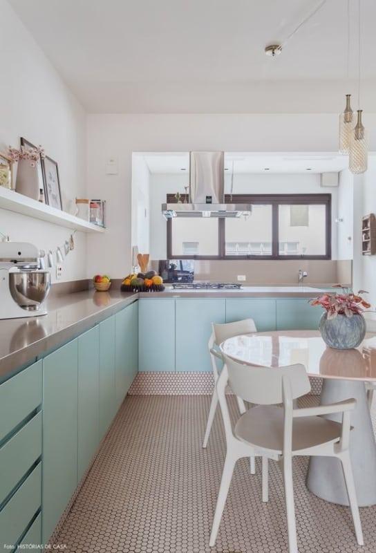cozinha planejada com armarios em neo mint