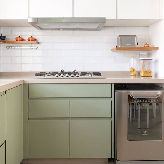 cozinha com armarios minimalistas em neo mint
