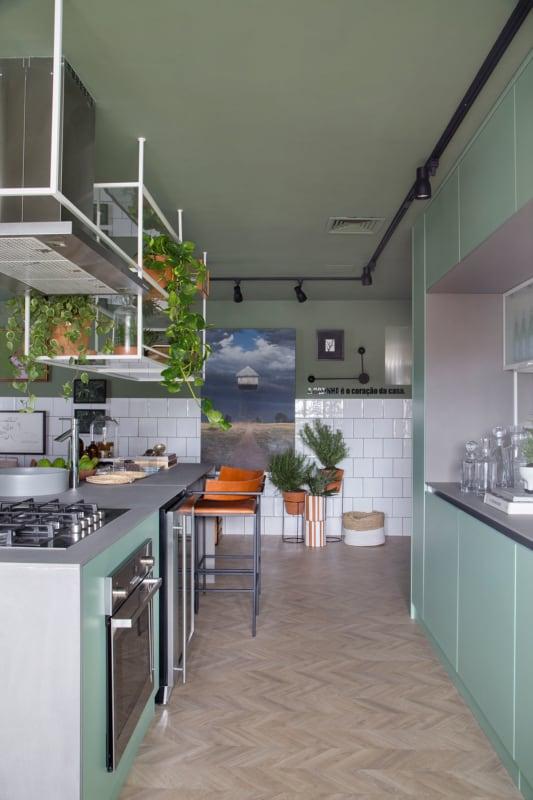 cozinha integrada com armarios em neo mint
