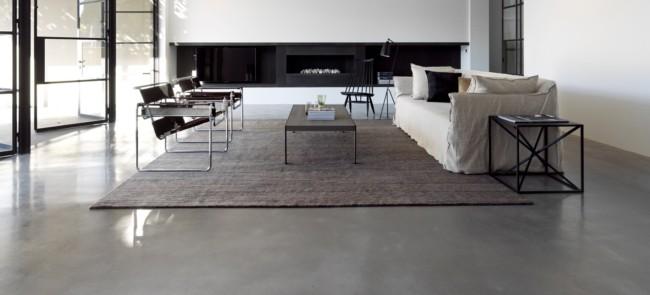 sala industrial com piso de concreto polido