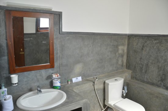 banheiro em concreto polido
