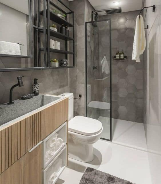 estante industrial em banheiro