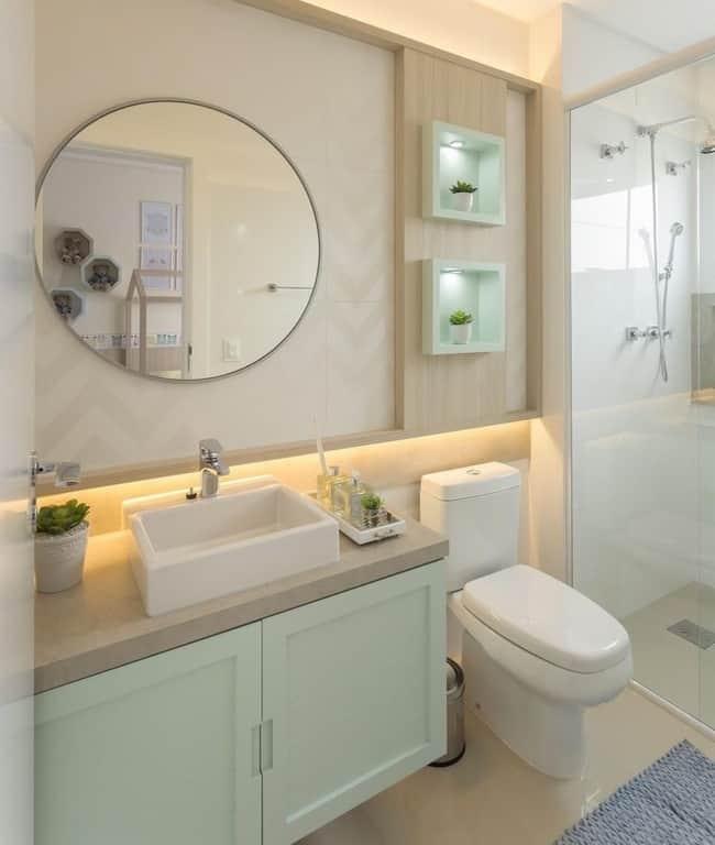 banheiro pequeno em verde menta