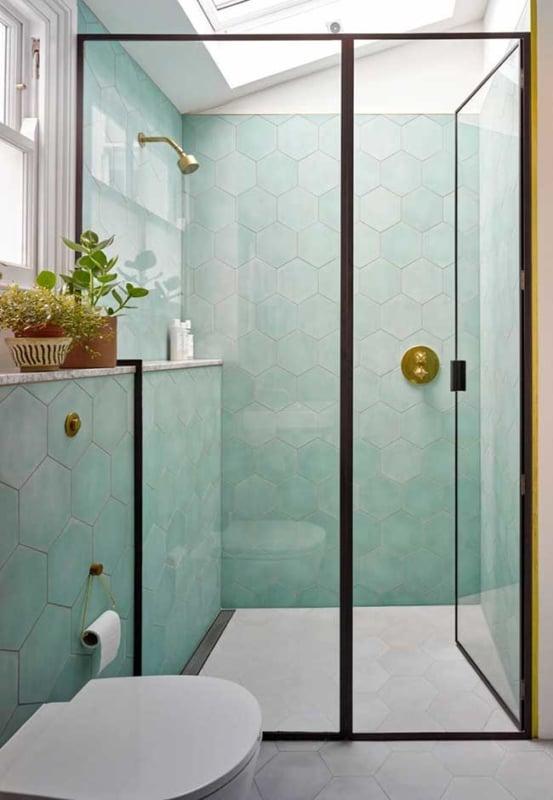 banheiro moderno com revestimento neo mint