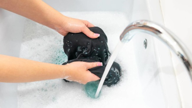 dicas para lavar roupas pretas