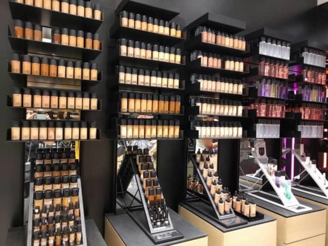 expositor de maquiagem para organizar loja