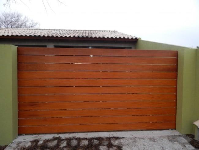 portao de madeira deslizante