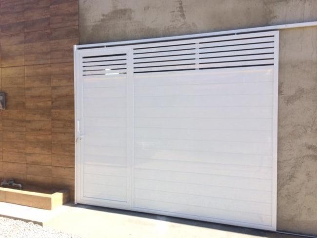 portao de aluminio branco deslizante