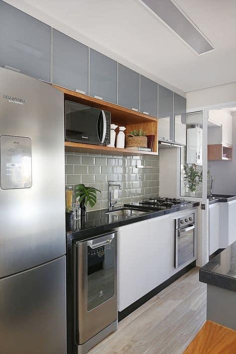 cozinha com azulejo metro cinza
